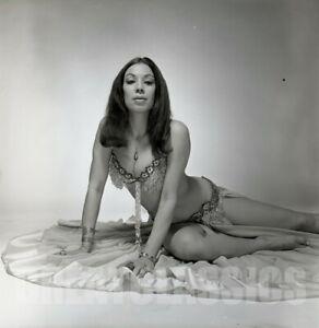 SABRA 1970 BEAUTIFUL MODEL BURLESQUE DANCER 2 1/4 CAMERA NEGATIVE PETER BASCH