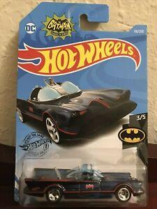 HOT WHEELS BATMAN Classic Batmobile (Tinted Windows) Mint on Card