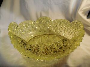 """Beautiful vintage yellow vaseline glass daisy & button 10"""" berry bowl"""