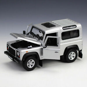 Brand new boxed Welly 1:24 Land Rover Defender die-cast model SUV car silver