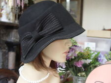 SCALA BLACK FELT WINTER CLOCHE HAT WITH STITCHED BOW DETAIL