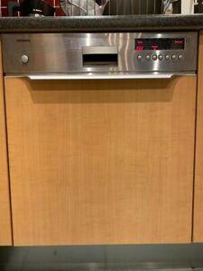 Siemens semi-integrated dishwasher