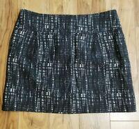 J Crew Premium Style Above Knee Skirt Size 4 Plaid Striped Graphic Gray White