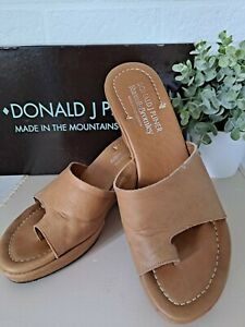 RUSSELL & BROMLEY TAN LEATHER WEDGE SANDALS SHOES IN BOX  UK 5 1/2