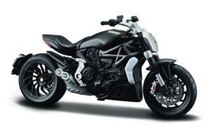 DUCATI Bburago Motorrad Modell X-DIAVEL S 1262 1:18 schwarz Standmodell NEU !!