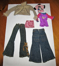 LOT DE VETEMENTS POUR POUPEE MANNEQUIN  BRATZ MY SCENE BARBIE OU  DU MEME STYLE