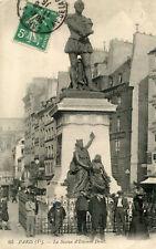 Carte PARIS La statue d'Etienne Dolet Animé dont homme aux béquilles