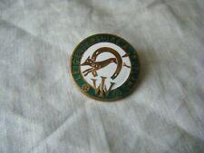 Vintage Leicestershire & Rutland WI Women's Institute Enamel Badge