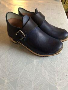 Blue Leather Clog  Clogg Shoes Size UK 5. EU 38 Excellent  Condition