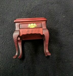 New! Carriage Doll House Miniature Mahogany END/NIGHT TABLE Pullout Drawer