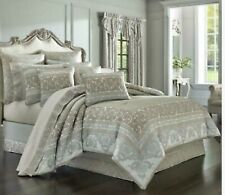 J. Queen New York MONTICELLO 4Pc comforter set  cal KING  Silver Gray