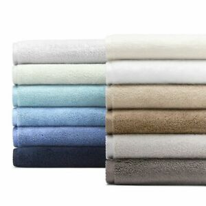 Matouk Milagro One Bath Sheet, One Tubmat, and One Hand Towel Blue L97001