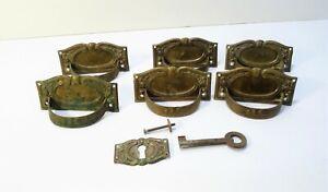 Série de 6 Anciennes poignées de meuble en Bronze
