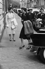 EMPRESS SORAYA, WIFE OF SHAH OF IRAN IN PARIS 1955 OLD PHOTO 7