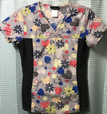 Cherokee flexible Scrub Top Size Xs Extra Small Flex Stretch Sides Floral Hearts