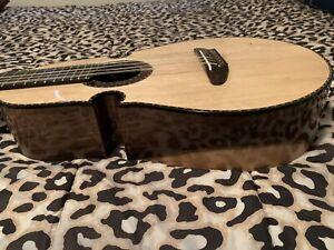 cuatro puertorriqueño Puertorrican Cuatro Guitar
