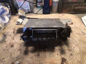 USED VINTAGE HITACHI MODEL KMS-2411Z AM & FM CAR RADIO DATSUN MID 70'S Z CARS