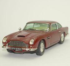 Chrono Klassiker Aston Martin DB 5 Sportwagen 1963 in weinrot 1:18, W004