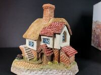 David Winter Cottages ~ Serf's Cottage~. No Coa Box Flawed But The Piece Is Mint