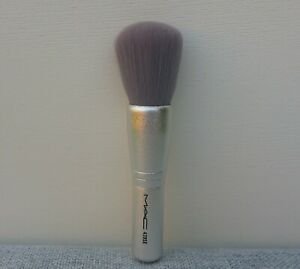 MAC 420SE Luxe Face Powder Brush, Travel Size, Brand New!