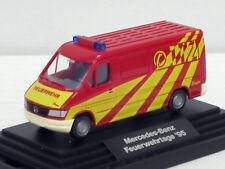 """Mercedes-Benz Sprinter Kasten rot """"Feuerwehrtage 1995"""", m. Vítrine, Wiking,1:87"""
