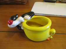 Sylvester the Cat and Tweety Bird Planter / Candy Dish Trade Mark Warner Bros.