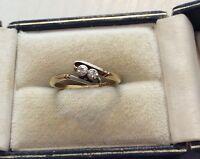 Beautiful Ladies Antique 18CT Gold & PLAT Two Stone Diamond Twist Ring Nice