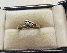 Beautiful Ladies Antique 18CT Gold & PLAT Two Stone Diamond Twist Ring Nice