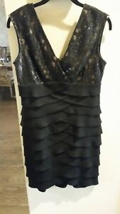 Jessica Howard Tiered Cocktail Dress Black Size 8P Pre-owned