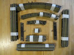 HORNBY DUBLO-OO Gauge 3-Rail -  STRAIGHT & CURVED TRACK, BUFFERS, ETC. 65 pieces