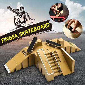 Mini Griffbrett Zwei Finger Skateboard Skate Ramp Skatepark Kinder Spielzeug Set