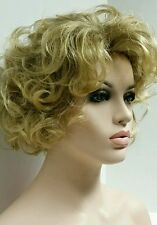 Short Wavy Curly Medium Blonde Full Wig w Brown Subtle Roots 8T124