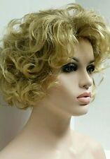 Short Wavy Curly Medium Blonde Full Wig w Brown Subtle Roots 8T124