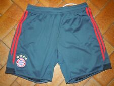 Short ADIDAS foot FC BAYERN MUNCHEN taille XL vert bandes rouge COMME 9