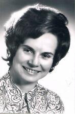 "Austria Minister Elfriede Karl 1933- genuine autograph 4""x6"" photo signed"