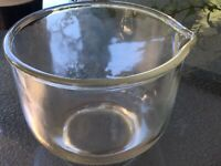 """Vtg Fire King For Sunbeam Small Clear Glass Mixing Bowl Spout, 6 1/2"""" Wide USA"""