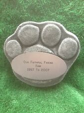 MEMORIAL STONE/ PLAQUE/ GRAVEMARKER/ PET PAW/ PERSONALISED/ DOG/ CAT/ ANIMALS/