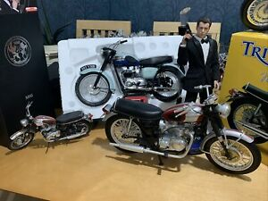 "Triumph Bonneville 1969 1:6 Classic Motorcycle New Ray ( No Box ) 14"" Hot Toy"