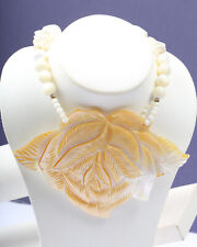 Mother of Pearl Necklace Flower Necklace Vintage 1960s