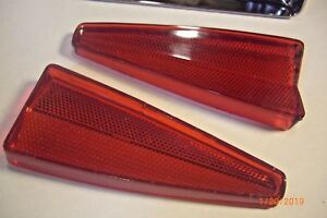 1970 Cadillac DEVILLE FLEETWOOD LOWER TRIANGLE LIGHT REFLECTOR LENS  VGC