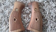H&R 999 2-Piece Compact Wood Checkered with Custom Medallion New Factory Grips