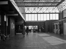 PHOTO  1976 BELFAST CENTRAL RAILWAY STATION INTERIOR (1976) JUST A FEW MONTHS AF