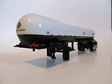 DCP 1/64 SCALE  ANHYDROUS TANK TRAILER WHITE AND BLACK (BOTTLE) CHROME WHEELS
