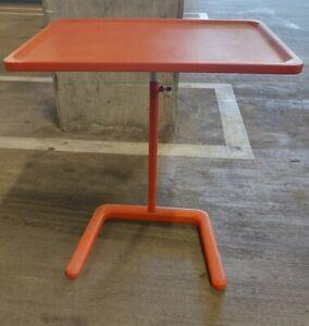 """Vitra Small 22"""" Table"""