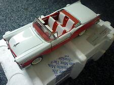FRANKLIN MINT 1957 Ford Fairlane 500 Skyline 1:24 Model Car Mint in Box