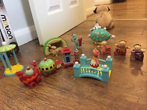 In the Night Garden figures Ninky Nonk Iggle Piggle Upsy Daisy Playset