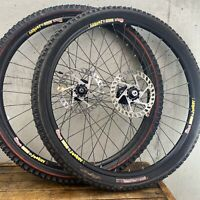 "26"" Sun Ringle Wheel Set Disc Mountain Bike Specialized Tires Skewer 135mm"