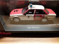 Opel Rekord E * Feuerwehr Wuppertal * 1:43 Schuco  03426