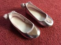 Pair of pretty shiny pink little girls shoes UK size 7