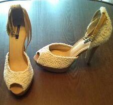 Forever 21 white flower crochet boho stiletto Coachella ankle heels sz 8.5 NEW!